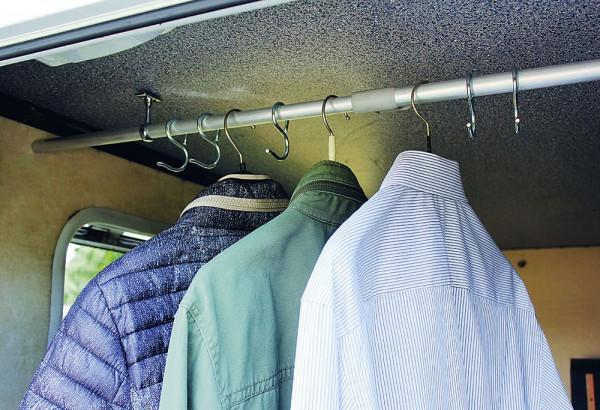 Kleiderstange für Heckgarage